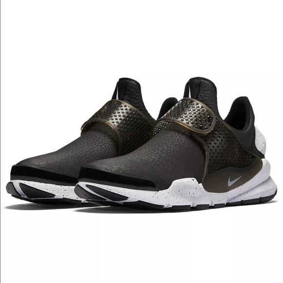 le scarpe nike di pelle nera, calzini dardo se raro dimensioni 7 poshmark